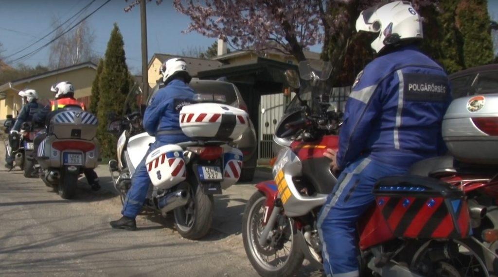 Motoros járőrök